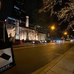 Eine Straße in Chicago zur Adventszeit